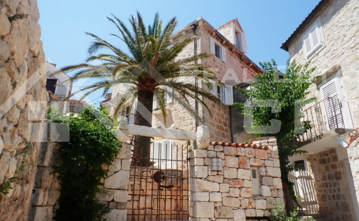 Old renovated stone house, Sutivan, Brac Island (2)