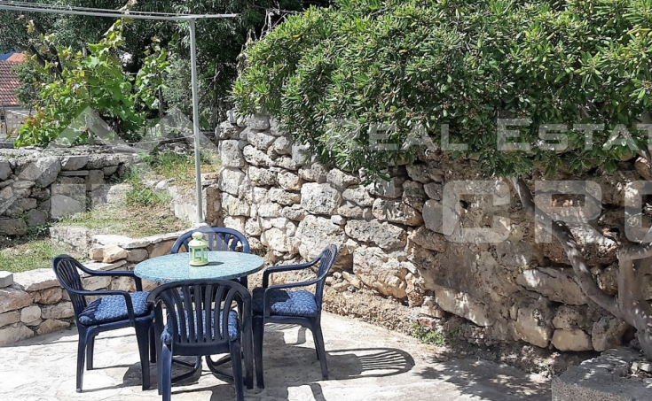 Renovated stone house in a beautiful location in Bol for sale (7)