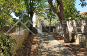 Old stone house with garden close to the sea in Sutivan for sale (4)