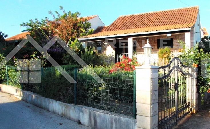 House in peaceful location in Milna on Brac Island, for sale