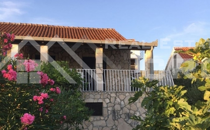 House with beautiful yard and sea view for sale, Brac Island, Milna