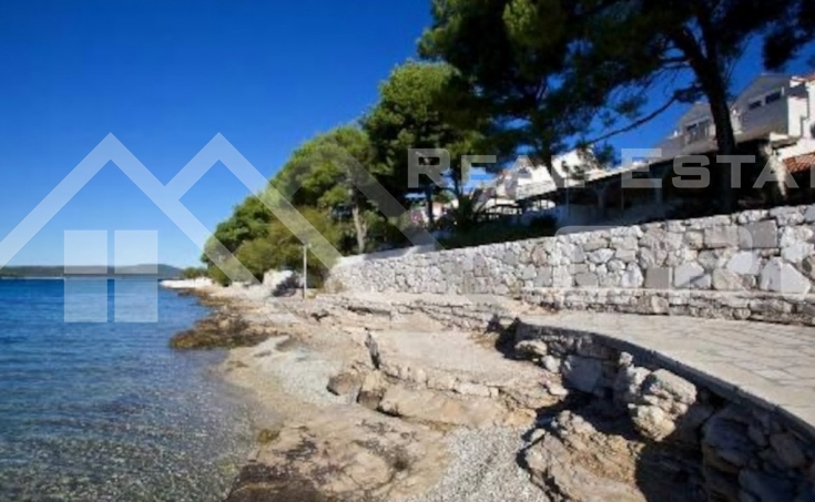 House with beautiful yard and sea view for sale (14)