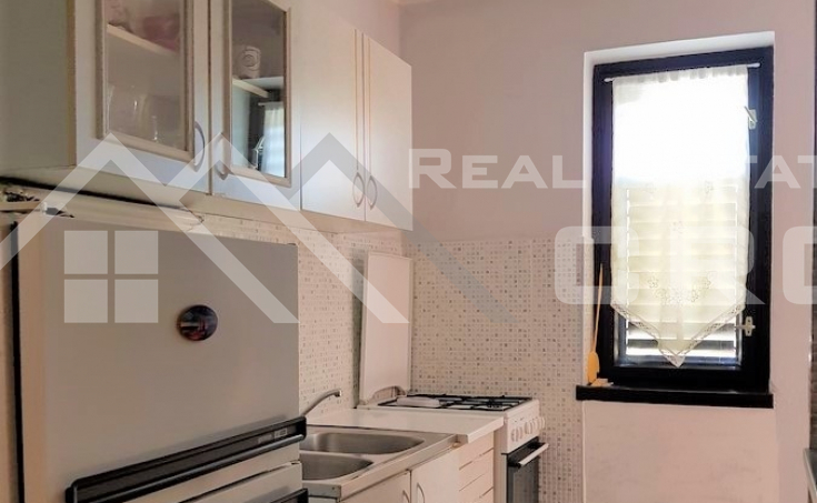 Three-bedroom apartment in highly attractive location for sale (4)
