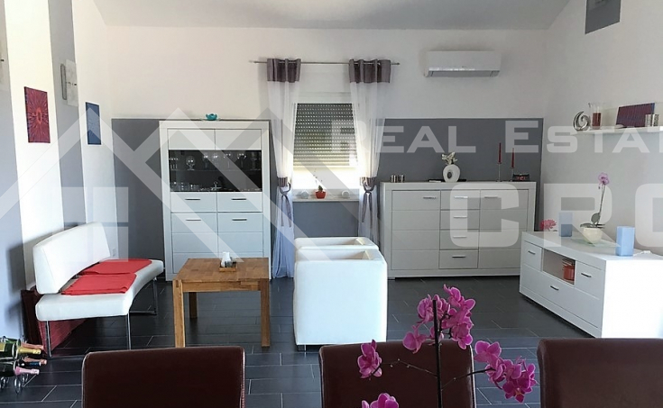 Newly-built house on attractive location in Sutivan, island Brac, for sale (6)