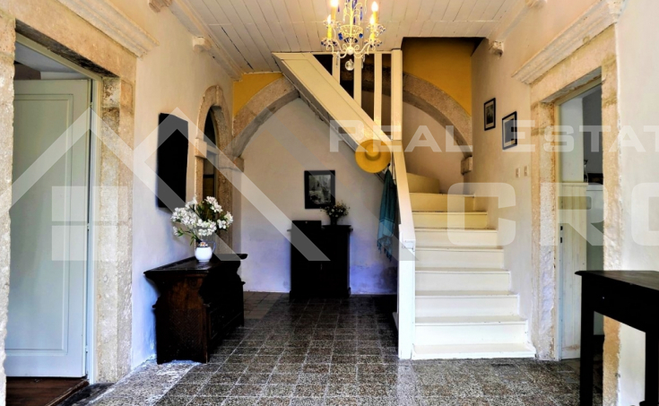 Renovated stone house in the centre of Hvar, for sale