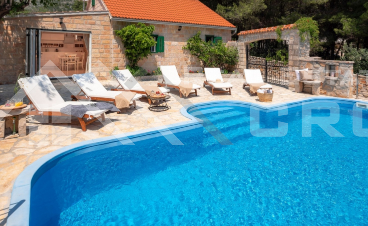 Newly-built luxurious villa with swimming pool on Brac island, for sale