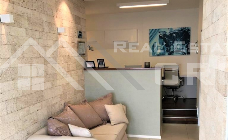 Business premise in an attractive location in Split, for sale (1)