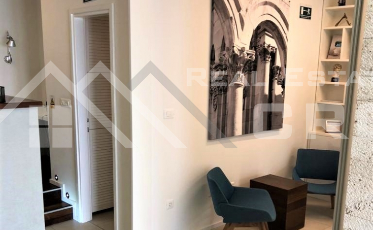 Business premise in an attractive location in Split, for sale (3)