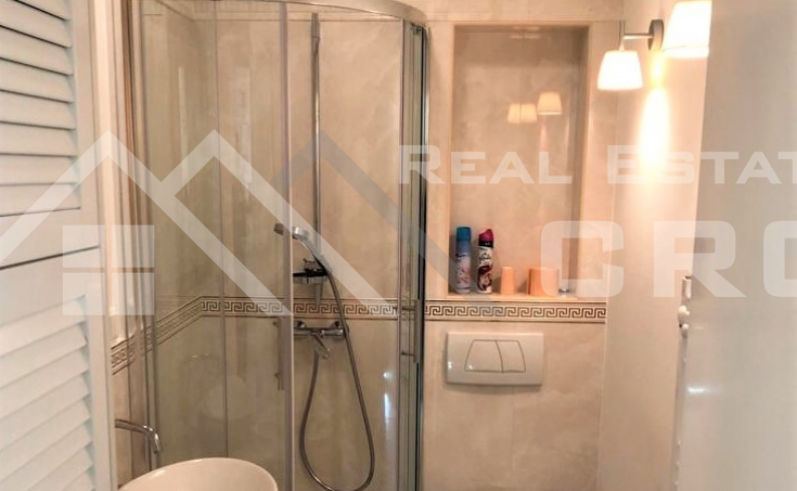 Business premise in an attractive location in Split, for sale (7)