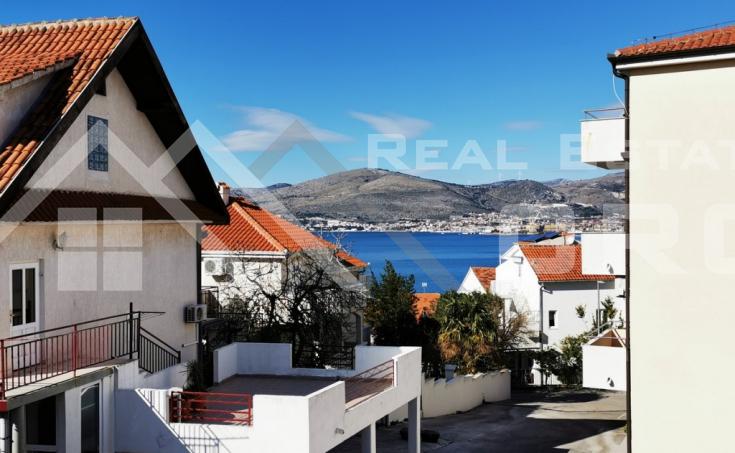 Stanovi u izgradnji s vrtom i lijepim pogledom na more na prodaju, otok Čiovo (3)