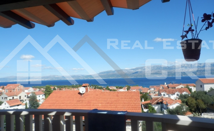 Apartment on twp floors for sale, Supetar (1)