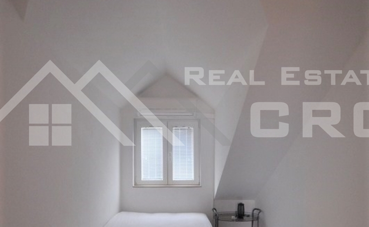 Apartment on twp floors for sale, Supetar (5)