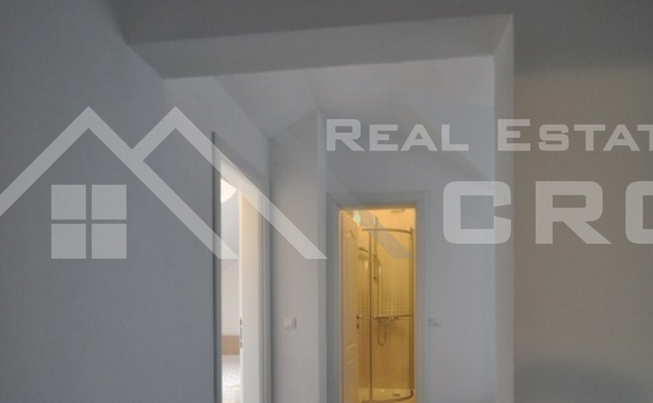 Apartment on twp floors for sale, Supetar (6)