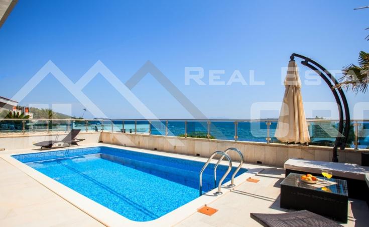 Nekretnine Korčula - Luksuzna vila s bazenom i pogledom na more, otok Korčula, na prodaju