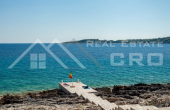 Korcula properties – Modern villa with overflow swimming pool in the first row to the sea on Korcula Island, for sale (18)