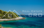 Korcula properties – Modern villa with overflow swimming pool in the first row to the sea on Korcula Island, for sale (20)