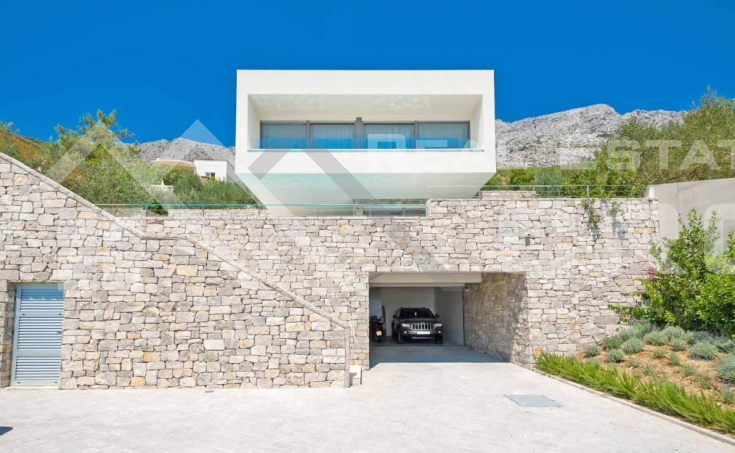 Luxurious villa with swimming pool and magnificent sea view, for sale (8)