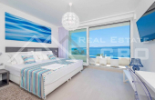 Luxurious villa with swimming pool and magnificent sea view, for sale (15)