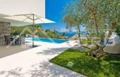 Luxurious villa with swimming pool and magnificent sea view, for sale (2)