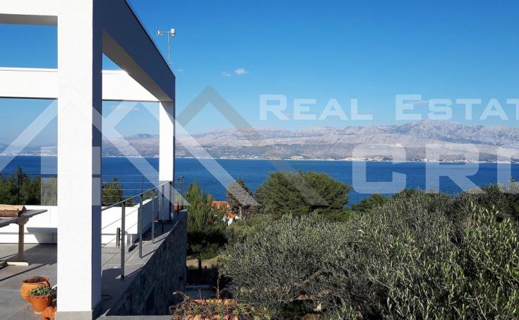 Modern villa with beautiful sea view for sale, Splitska, island Brac (12)