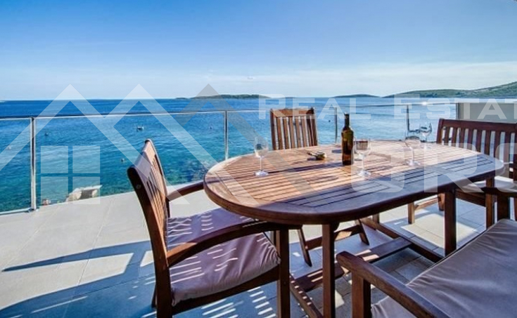 Vis properties – Luxurious villa in an attractive location in the first row to the sea, for sale, Vis Island