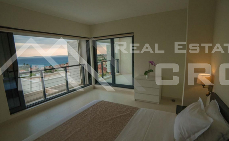 Modern villa with swimming pool and beautiful sea view for sale