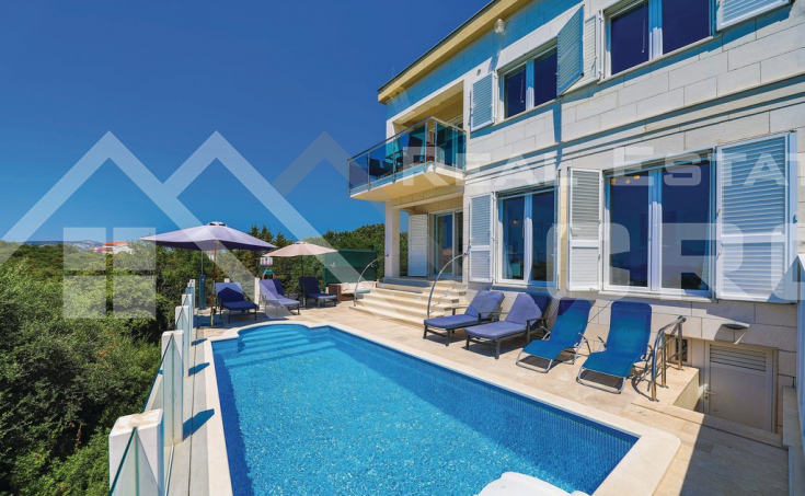 Ciovo properties – Villa with swimming pool in peaceful location with panoramic view over the sea, for sale