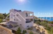 RG734, Nekretnine Rogoznica – Moderna apartmanska vila s pogledom na more, na prodaju