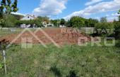 SN737, Nekretnine Sinj - Građevinsko zemljište na mirnoj lokaciji u Brnazama, na prodaju