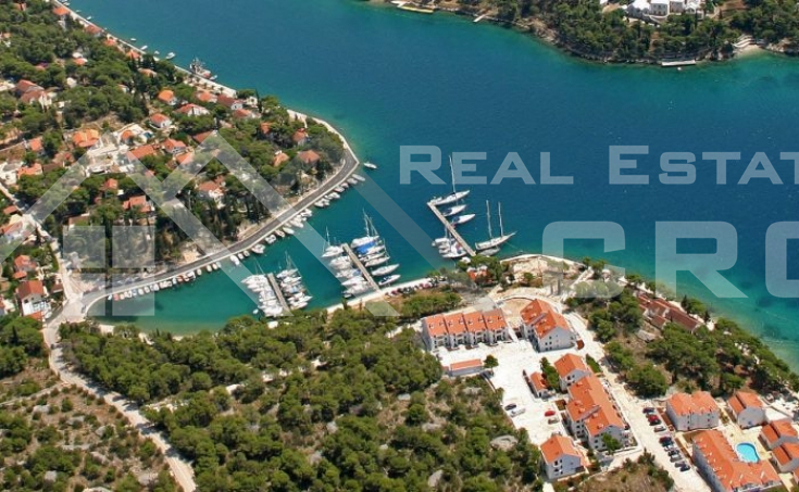 Two storey apartment with beautiful sea view, for sale, Milna, Brac island