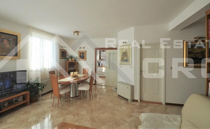 Spacious three bedroom apartment for sale, Split, Lovret (2)