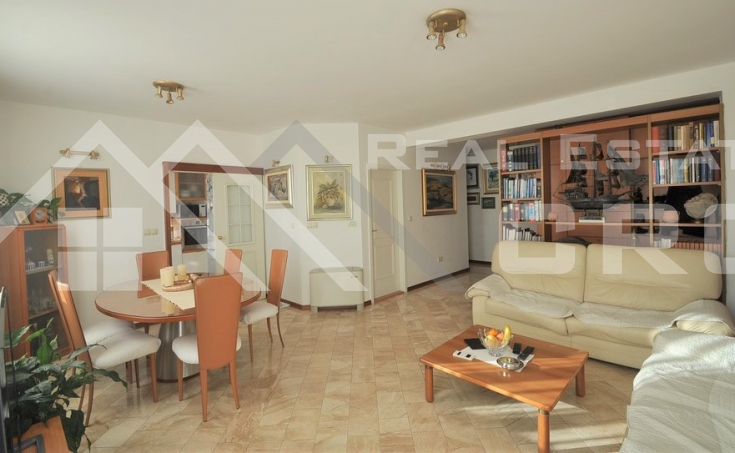 Split properties - Spacious three bedroom apartment for sale, Split, Lovret