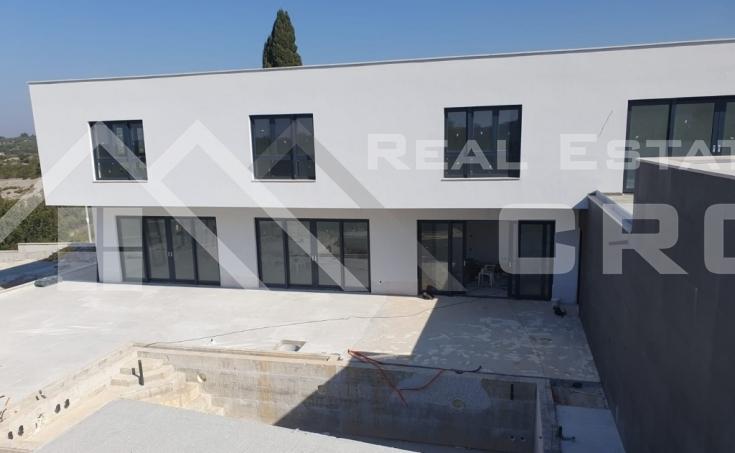 Modern-villa-under-construction-with-sea-view- (3)