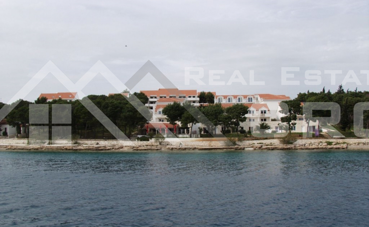 One bedroom apartment with sea view (3)