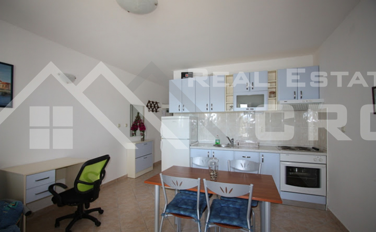 One bedroom apartment with sea view (6)