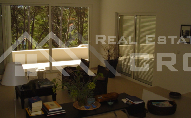 Modern villa with swimming pool for sale (16)