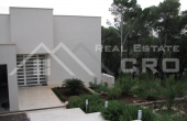 Modern villa with swimming pool for sale (12)