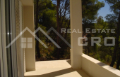 Modern villa with swimming pool for sale (17)