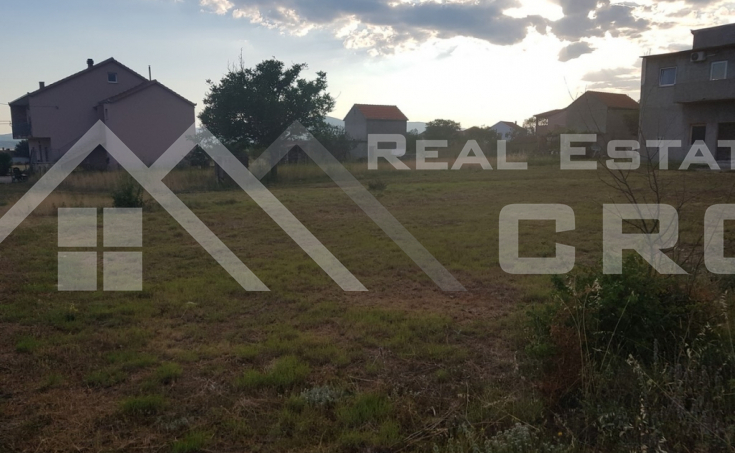 Building land in the centre of Otok near Sinj, for sale (1)