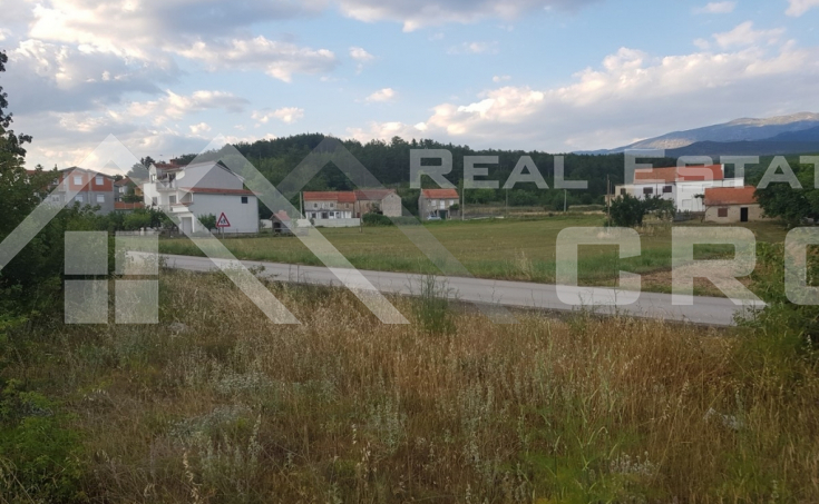 Sinj properties - Building land in the centre of Otok near Sinj, for sale