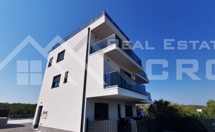 Real Estate Ciovo - Modern apartment with swimming pool and garden, for sale