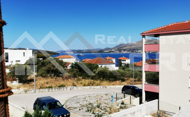 Ciovo properties – Two-bedroom apartment under construction with sea view, Okrug Gornji, for sale