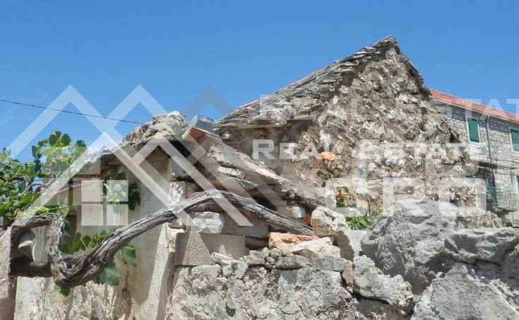 Old-stone-house-for-sale-on-the-island-of-Solta-10