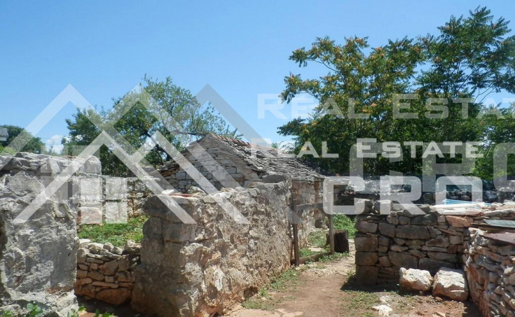 Old-stone-house-for-sale-on-the-island-of-Solta-15