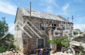 Old-stone-house-for-sale-on-the-island-of-Solta-3