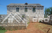 Old-stone-house-for-sale-on-the-island-of-Solta-7