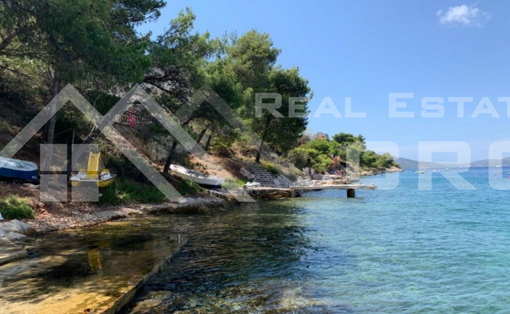 Ciovo properties – House with large yard, first row to the sea, for sale