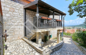 Stone villa with swimming pool in the center of Vrlika, for sale (12)