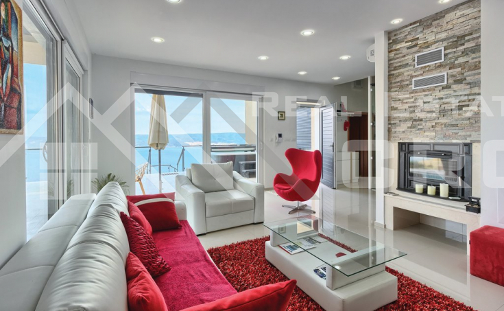 Wonderful villa with swimming pool and magnificent sea view (1)
