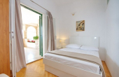 Beautiful apartment villa with restaurant, first row to the sea (2)